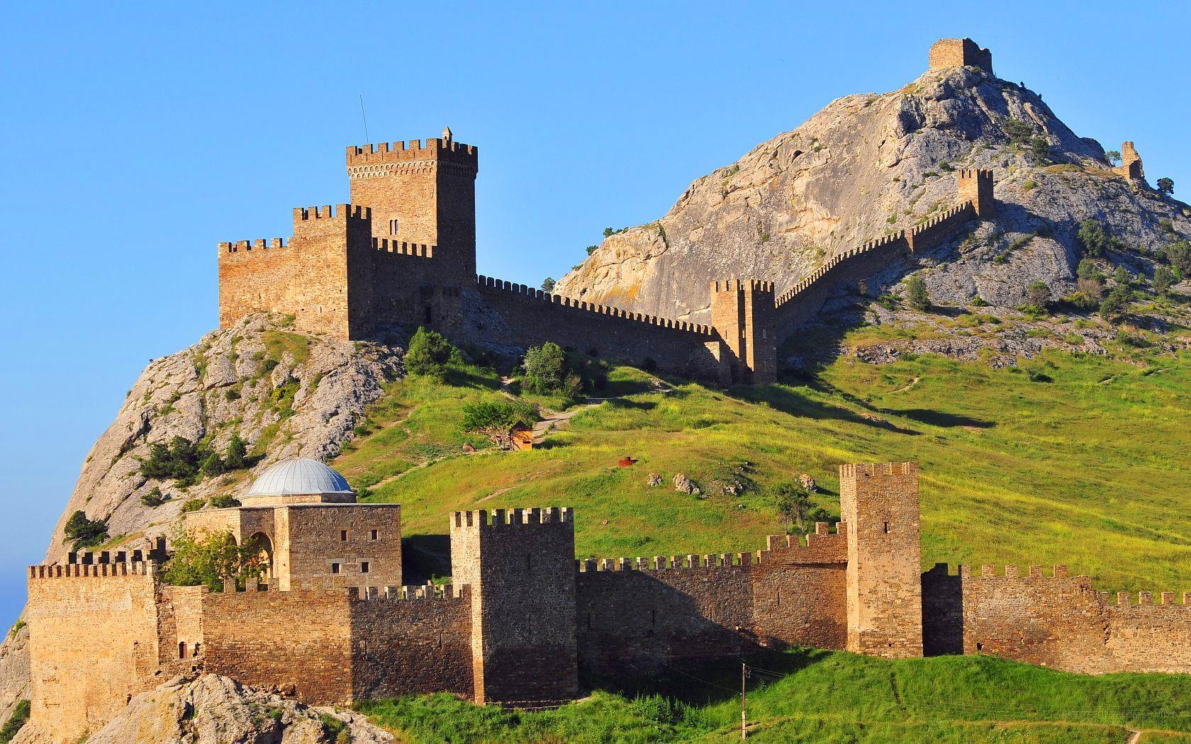 Картинки по запросу Генуэзскую крепость