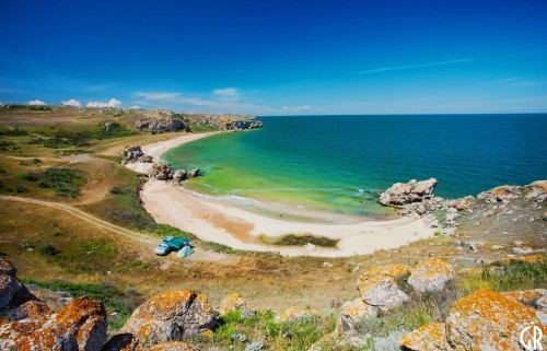 Дикий пляж в Крыму