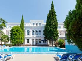 Отель «Вилла Голубой Залив»