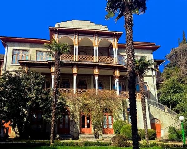 Имение Карасан (дворец Раевских)