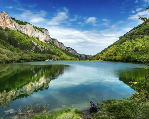 Мангупское (Девичье) озеро